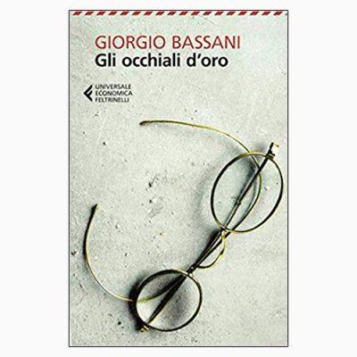 """La copertina de """"Gli occhiali d'oro"""", libro scritto da Giorgio Bassani e pubblicato da Feltrinelli"""