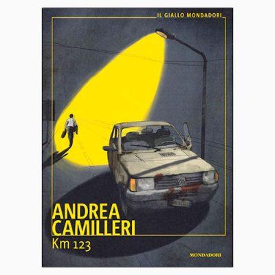 """La copertina di """"Km 123"""", il libro di Andrea Camilleri pubblicato da Mondadori"""