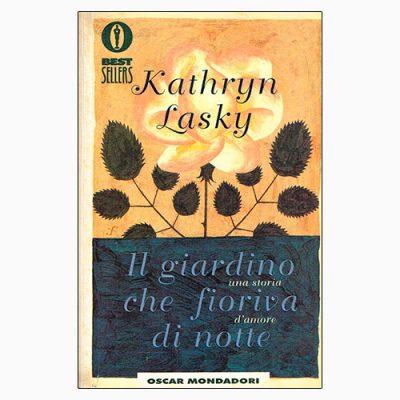 """La copertina del libro """"Il giardino che fioriva di notte"""", scritto da Kathryn Lasky e pubblicato da Mondadori"""