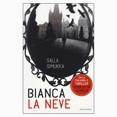 "La copertina di ""Bianca la neve"" di Salla Simukka (Mondadori)"
