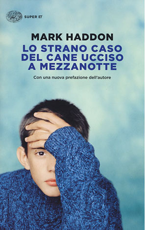 """La copertina del libro """"Lo strano caso del cane ucciso a mezzanotte"""" di Mark Haddon (Einaudi)"""
