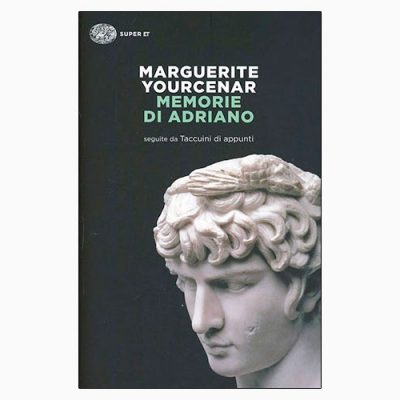 """La copertina del libro """"Memorie di Adriano"""" di Marguerite Yourcenar (Einaudi)"""