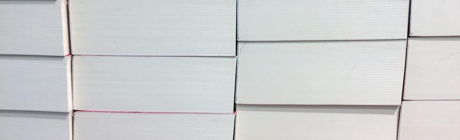 Libri impilati come simbolo dei #miolibro2020 della nostra community